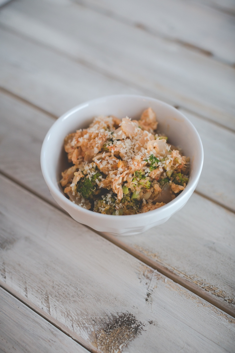 healthy-chicken-broccoli-quinoa-casserole-1